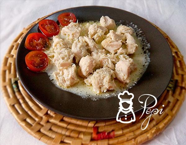Pollo en salsa de roquefort