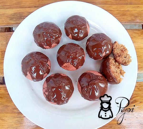 Pasteles de remolacha con cobertura de chocolate